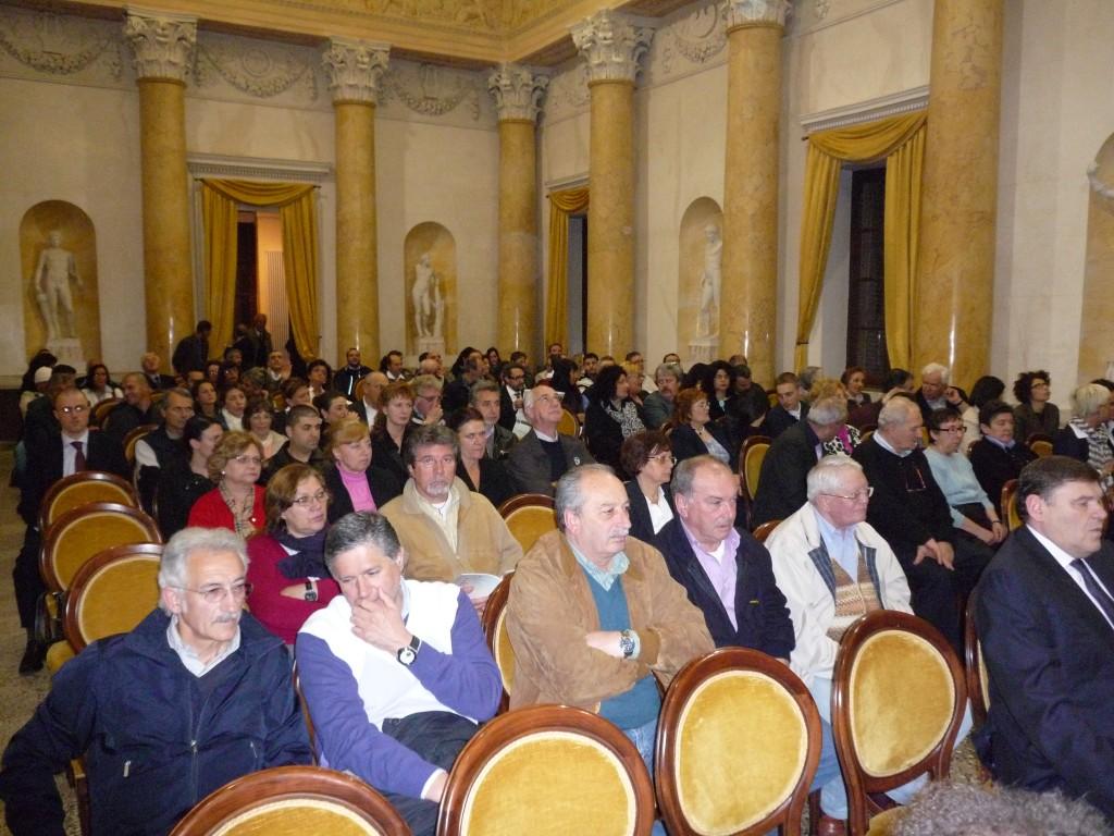 10 maggio 2010 presentazione al Castello di San Lorenzo del Cofanetto Lo Scrigno di una terra di confine tra Cremona e Mantova a cura della Pro Loco
